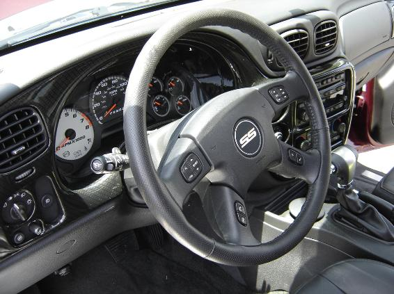ss trailblazer dash carbon fiber, steering wheel