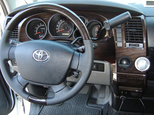 Toyota Tundra custom dash and steering wheel